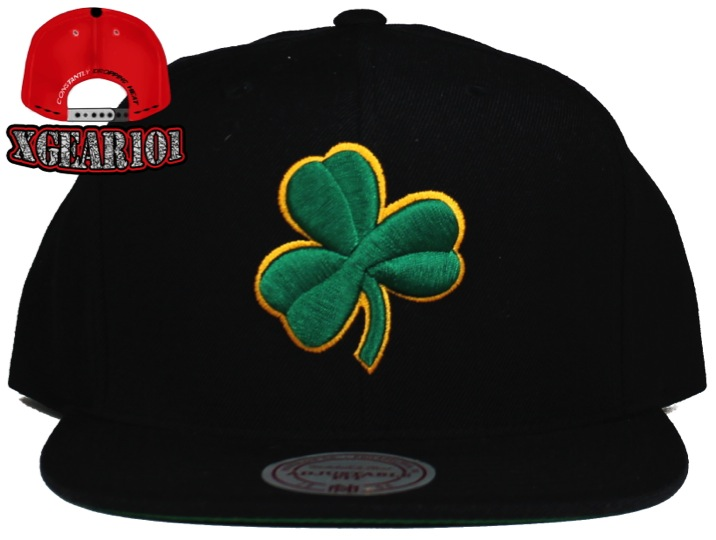 Boston Celtics Solid Logo Mitchell and Ness Vintage Snapback Hat